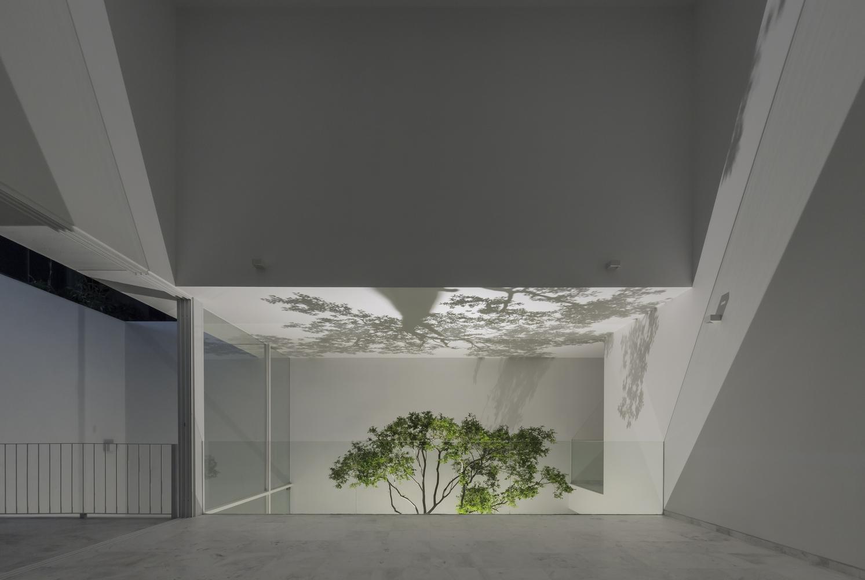 Residencias modernas - La cueva: Subvenio Construcción y Desarrollo